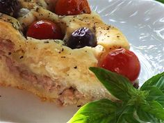 Placinta cu carne si cartofi - mod de preparare, ingrediente. Placinta cu carne aperitiv. Aluat cu drojdie pentru placinta cu carne si cartofi.