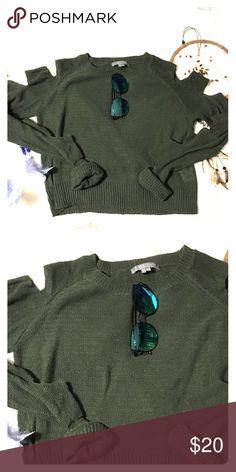 Green sweater with ~~ arm slits ~~ Trendy, forest green top with slits down the arms Sweaters Crew & Scoop Necks