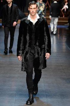 Dolce & Gabbana Fall 2015 Menswear Fashion Show Lakme Fashion Week, Runway Fashion, Fashion Show, Fashion Design, Milan Fashion, Fashion Styles, Women's Fashion, Stylish Mens Fashion, Stylish Menswear
