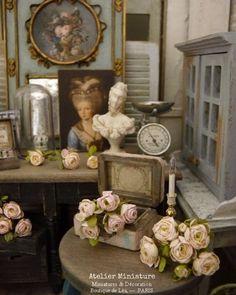 Atelier de Léa (@atelier.miniature) • Photos et vidéos Instagram Romanticism, Boutique, Dollhouse Miniatures, Shabby Chic, Creations, Dolls, Instagram, Photos, Collection