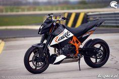 KTM 690 Duke  Super light, super agile. Mmm...