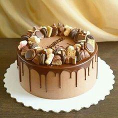Erdnussbutter-Schokoladen-Torte Food and Drinks – Cake - New ideas Chocolate Cake Designs, Chocolate Drip Cake, Chocolate Recipes, Chocolate Ganache, Bolo Drip Cake, Drip Cakes, Strawberry Layer Cakes, Strawberry Filling, Strawberry Lemonade
