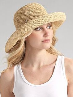 Packable sun hat. Essential.