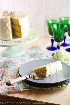 bolo de chocolate branco e recheio de maracuja