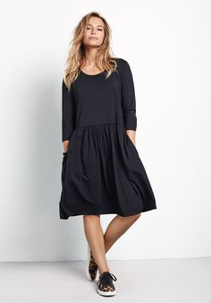 Buy Cassie Modal Dress from Hush: Cassie Modal jersey dress, knee length with length sleeves. Hush Dresses, Casual Dresses, Dresses For Work, Gathered Skirt, Work Wardrobe, Lounge Wear, Dress Skirt, Beautiful Dresses, Women Wear