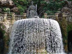 Fuente Oval También llamada Fontana di Tivoli, se encuentra ubicado en Villa d'Este, Tivoli, Italia.