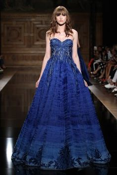Tony+Ward Couture Fall/Winter - Paris - Access Runway - Fashion Week Fashion Shows Tony Ward, Ball Gowns Evening, Evening Dresses, Types Of Dresses, Nice Dresses, Beautiful Gowns, Beautiful Outfits, Victor Ramos, Beauty And Fashion