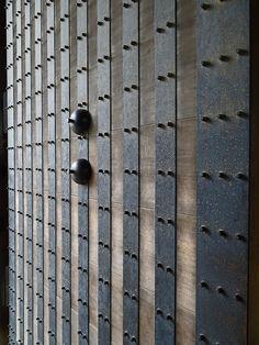 Gate Door, Odawara Castle, Japan Wabi Sabi, Door Gate, Interior Exterior, Door Design, Screen Design, Doorway, Chinese Style, Interiores Design, Windows And Doors