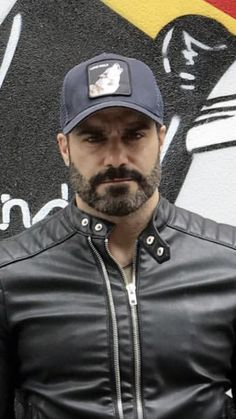 36 How To Make Undercut Hairstyle Idea for Chubby Men Beards And Mustaches, Hot Beards, Beard Styles For Men, Hair And Beard Styles, Beard No Mustache, Moustache, Miguel Miranda, Older Mens Fashion, Chubby Men