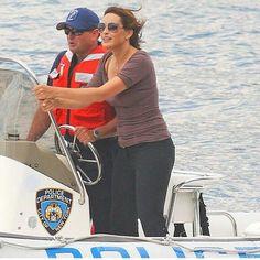 Mariska Hargitay with the New York police on a boat cool