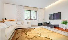 (P) Covoare de lână – Trecut și prezent - Glasul.info Lana, Couch, Furniture, Home Decor, Settee, Decoration Home, Sofa, Room Decor, Home Furnishings