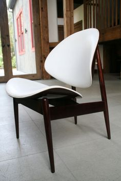 4 Kodawood Clam Shell Wooden Dining Side Chairs image 3