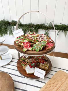6 easy tips for a successful, simple, seasonal Christmas Cookie Exchange party with World Market and copycatchic. Simple, clean and easy holiday party decor and entertaining set up for a modern cookie exchange table using things you already own added with festive, seasonal touches. copycatchic luxe living for less budget home decor, easy entertaining, budget travel, home trends and design daily finds and room redos