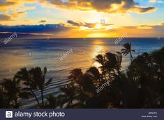 Pacific Sunset At Kaanapali Beach On Maui In Hawaii Stock Photo, Royalty Free Image: 31199922 - Alamy