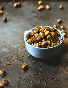 Maple Cinnamon Roasted Chickpeas + 3 tips to making them crispy & crunchy