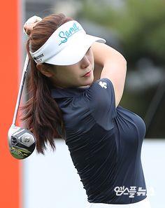 Girls Golf, Ladies Golf, Sexy Asian Girls, Beautiful Asian Girls, Girl Golf Outfit, Sexy Golf, Female Volleyball Players, Tennis Fashion, Bollywood Girls