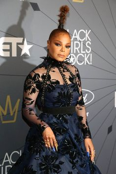 Janet Jackson attends the Black Girls Rock! 2018 Red Carpet at New Jersey PAC - August 2018 in Newark, NJ photo by: Manny Carabel Janet Jackson Videos, Jo Jackson, Michael Jackson, Sexy Outfits, Chic Outfits, Jackson Instagram, Black Girls Rock, Trends, Red Carpet Fashion