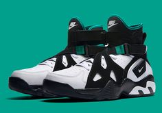 Nike basketball collectors have been asking for it for years and now it s finally coming back the Nike Air Unlimited The extra high-top and amply strapped up hoops shoe made famous by David Robinson in 1994 is finally returning in Continue reading Retro Sneakers, New Sneakers, High Top Sneakers, Sneakers Nike, Sneakers Fashion, Tenis Retro, Zapatillas Jordan Retro, High Top Basketball Shoes, Nike Basketball Shoes