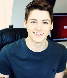 i'd like to introduce you to my future husband, Finn. Jack And Finn Harries, Jack Finn, Youtube Vloggers, Beauty Youtubers, Carter Reynolds, Ricky Dillon, Emo Guys, Joey Graceffa, Phil Lester