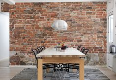 Ideas Brick Wall Decor – For all you people out there who are lucky enough to have exposed brick walls in your residence, we are no investigate jealous. A brick wall adds vibes and warmth to any room. White Brick Wallpaper Kitchen, Exposed Brick Wallpaper, Brick Wall Kitchen, Brick Effect Wallpaper, Old Brick Wall, Exposed Brick Walls, Kitchen Wallpaper, Wallpaper Grasscloth, Brick Paneling
