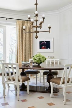 Kim Alexandriuk Designs Homes That Reflect Their Owners' Histories — 1stdibs Introspective