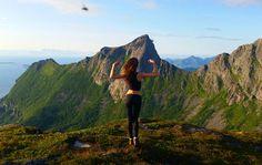 Come fly with me, MUCHOLAND    Miejsce: Sørskottinden, Nordskot   Szlak turystyczny: pieszy   Stopień trudności: średni   Wysokość:608 m n.p.m.   Długość szlaku: 3,5 km   Czas: 2,5 godziny Trekking, Hiking, Mountains, Nature, Travel, Walks, Naturaleza, Viajes, Traveling