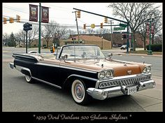 1959 Ford Fairlane 500 Galaxie Skyliner Retro Cars, Vintage Cars, Antique Cars, Car Ford, Ford Trucks, Convertible, Old American Cars, Ford Classic Cars, Ford Fairlane
