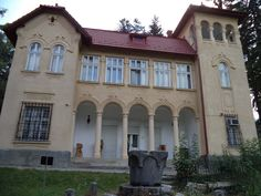 Conacul Goga Romania, Beautiful Places, Mansions, Country, House Styles, Amazing, Home Decor, Decoration Home, Rural Area