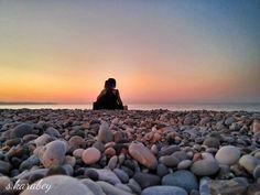 """""""Bakıp görmeyenlerden, konuşup dinlemeyenler den, dokunup hissetmeyenlerden uzak durun"""" -Leonardo da Vinci- Konyaaltı Plajı - ANTALYA #antalya #turkey #travel #beach #sunset #rental #cars #foto"""