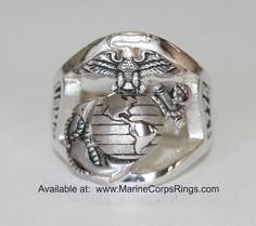 Beautiful Sterling Silver Marine Corps ring - Made in the USA!