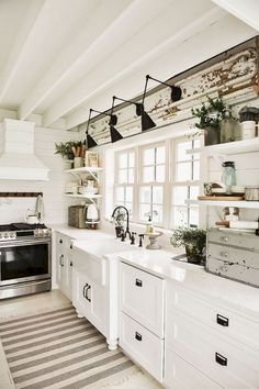 30 Most Popular Rustic Kitchen Ideas You'll Want to Copy Rustic Kitchen Ideas - Rustic kitchen closet is an attractive combination of nation cottage as well as farmhouse decor. Search 30 ideas of rustic kitchen design right here Small Farmhouse Kitchen, Farmhouse Kitchen Lighting, Modern Farmhouse Kitchens, Home Decor Kitchen, Home Kitchens, Farmhouse Decor, Farmhouse Ideas, Best Kitchen Lighting, Kitchen Country