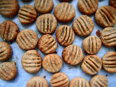 petite kitchen: salted peanut butter cookies