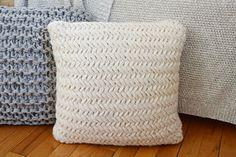 Ravelry: Chunky Throw Pillow Set pattern by Destiny Meyer