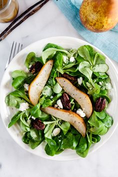 Winter Salad with Roast Pears and @nielsenmassey Vanilla Vinaigrette ~ http://www.healthy-delicious.com