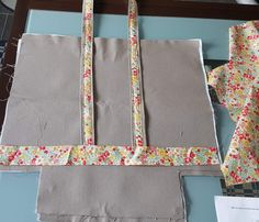 Sarah Kay, Tote Bag, Position, Projects, Crochet, Home Accessories, Scrappy Quilts, Felted Bags, Sewing Diy