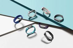 健身手環漸漸普遍,而且設計時尚,戴在手上有助散發陽光魅力。Fitbit推出全新智能樂活手錶Fitbit Blaze及前衛健身手環Fitbit...