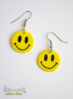 Smile yellow earrings by Sisunyak on Etsy, Weird Jewelry, Funky Jewelry, Cute Jewelry, Handmade Jewelry, Diy Clay Earrings, Funky Earrings, Yellow Earrings, Polymer Clay Charms, Polymer Clay Jewelry