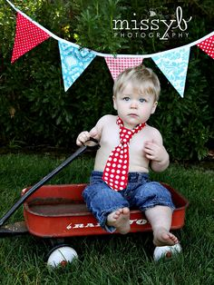1st Birthday photo shoot...Love the wagon!