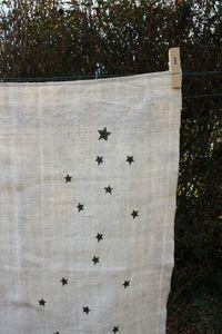 lin ancien & étoiles noires, j'adore!