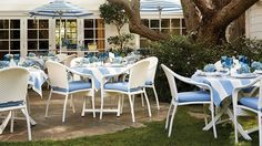 Cafe Curved Back Chairs and Table Set Cafe Bistro, Cafe Tables, Outdoor Furniture Sets, Outdoor Decor, Table And Chair Sets, Table Settings, Cushions, Patio, Table Decorations