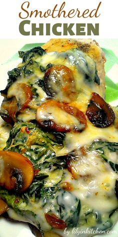 Smothered Chicken w/Mushrooms and Spinach -- perfect dinner.Chicken with sautéed mushrooms and creamed spinach - a full meal! If you get everything prepped ahead of time this. Smothered Chicken Recipes, Low Carb Chicken Recipes, Meat Recipes, Low Carb Recipes, Cooking Recipes, Healthy Recipes, Recipes Dinner, Recipe Chicken, Keto Chicken