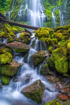 Proxy Falls (Oregon) by Michael Lindberg / 500px