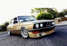 "6 отметок «Нравится», 1 комментариев — BMW Classic E12 E28 Sharks (@motoszef_bmw_sharks) в Instagram: «All the sharks, they parked in my bay DOUBLE TAP if you like it FOLLOW ME."" #bmw #bmw_life…»"