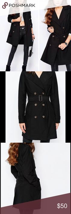"Sleek Black Belted Buttoned Trench Coat Woven fabric * Notch lapel collar * Double breasted button fastening * Belted waist * Side pockets * Kick split * Regular fit - true to size * Machine wash * 100% Polyester * Our model wears a UK 8/EU 36/US 4 and is 170 cm/5'7"" tall New Look Jackets & Coats Trench Coats"