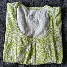 Floral Short Sleeve Tee Green and white floral, scoop-neck, short sleeve tee. Previously washed and worn once. In great condition, get a jump on your Spring wardrobe! Size 1X\16W JMS Tops Tees - Short Sleeve