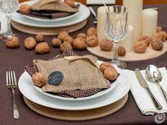 La tavola decorata per il veglione di natale