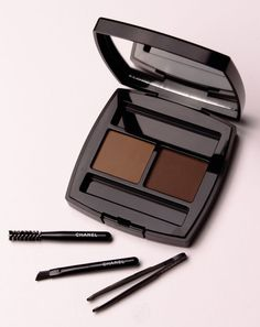 Chanel& Eyebrow compact holds all the tools needed for perfectly shaped and shaded brows. All this and it still fits into your makeup bag! Brow Powder, Makeup Yourself, Eyebrows, Compact, Chanel, Tools, Bag, Beauty, Purse