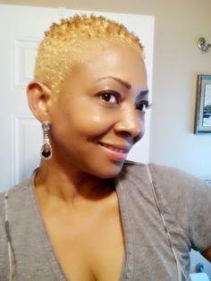 Blondie look TWA.