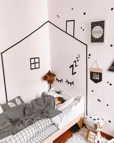 A imagem pode conter: quarto e área interna Small Room Bedroom, Home Decor Bedroom, Bedroom Wall, Girls Bedroom, Kids Bedroom Designs, Home Room Design, Kids Room Design, Cool Kids Rooms, Rental Decorating