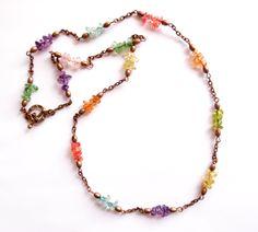 Halsband med bergkristall